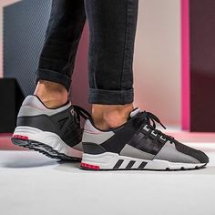 Adidas originali sono: facile blu / nero / nucleo solare gialla calci