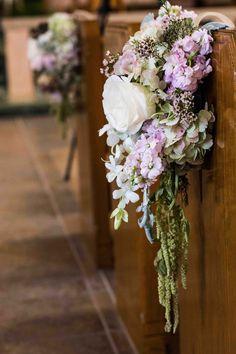Pastel de decoración banco de flores de color rosa y púrpura