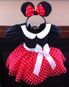 Minnie Mouse dress set by ChasenLondon on Etsy, $65.00