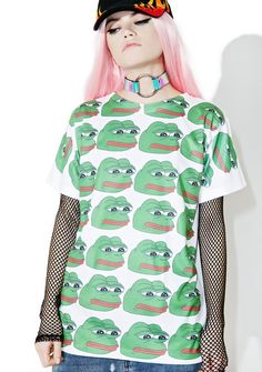 Feelz Bad Face T-Shirt when there's no shame in yer game, bb. This graphic T-shirt knows those feels with its all over design print of pepe the frog's head on the front and an ez regular fit.