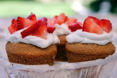 HEALTHY, whole grain, Strawberry Shortcake Bites. These would be so cute for 4th of July.