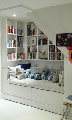 Kitap okuma köşesi fikirleri, kitap okuma odası dekorasyon fikirleri kitap kurtlarının her zaman ilgisini çeker. Ne güzeldir özel olarak