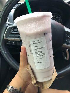 Secret Starbucks Recipes, Starbucks Tea, Bebidas Do Starbucks, Starbucks Secret Menu Drinks, How To Order Starbucks, Starbucks Drinks Without Coffee, Milk Tea Recipes, Coffee Drink Recipes, Coffee Drinks