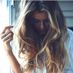 The PERFECT ombré, so natural and effortless wishing these were my natural waves