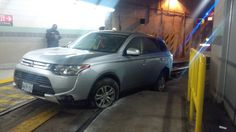 Driver blames GPS after wedging SUV into streetcar tunnel, flees http://ca.motor1.com/news/136942/driver-suv-stuck-toronto-streetcar/ Really? @ciobrody @ctorescues