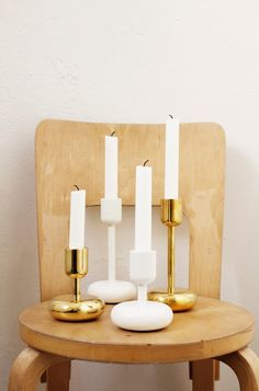 Iittala Christmas Home. Nappula white and brass candleholders. Nordic Design, Scandinavian Design, Wedding Ceremony Ideas, Christmas Gift Decorations, Christmas Home, Candlesticks, Interior And Exterior, Home Accessories, Cool Designs