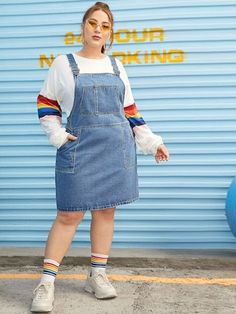 Shein Plus Jeans-Overall mit zwei Taschen - Christmas Deesserts Fat Girl Fashion, Chubby Fashion, Jeans Overall, Denim Overall Dress, Plus Size Vintage, Curvy Girl Outfits, Plus Size Outfits, Mode Outfits, Fashion Outfits