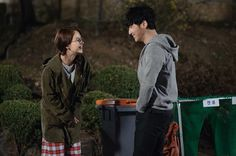 It's Song Ji Hyo's Kim Soo Jin who narrates and introduces the main characters in the latest Ex-Girlfriend Club teaser. She talks about the girlfriends of Byun Yo Han's Bang Myeon… Ex Girlfriend Club, Running Man Korea, Byun Yo Han, Soo Jin, The Girlfriends, Writers Write, Teaser, Celebs, Songs
