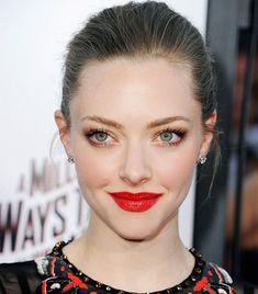 amanda seyfried red lips