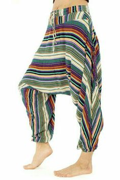 The Savannah Flair Harem Pant! cotton harem pant that packs into its pocket. Since 2014 The Original Congo pattern! They are available in patterns some with matching baby and kids sizes. Each Más Harem Pants Pattern, Cotton Harem Pants, Jumpsuit Pattern, Jacket Pattern, Linen Pants, Mode Bizarre, Buddha Pants, Hippie Style, Boho Outfits