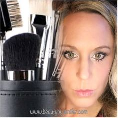 Long lashes, smooth lips, natural makeup & best brushes. Younique! www.beautybyjenifer.com
