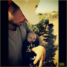 Josh Duhamel shared this sweet photo with his adorable son Axl! Dakota Do Norte, Fergie And Josh Duhamel, Cute Kids, Cute Babies, Hottest Male Celebrities, Celebs, Baby Boy Hats, Holding Baby, Second Baby