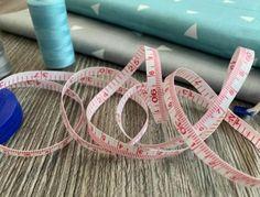 Archives des Tutos de couture - Confection Tendance Techniques Couture, Pli, Skin Tone, November, Mood, Crochet, Patterns, Sewing Baby Clothes, Tutorial Sewing
