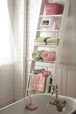 I don't usually do shabby chic but I love this it's so pretty