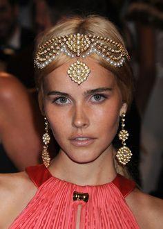 isabel lucas et son headband mille et une nuits - Bijoux De Tete Mariage Oriental