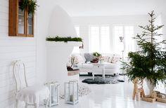 Chateau de Ron: Lantlig jul i vitt och rött....