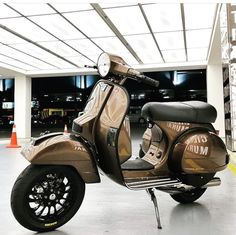 Shiny Brown bronze Vespa PX with Vespa Sprint 12 velg Vespa P200e, Vespa Px 150, Vespa Scooters, Vespa Sprint, Best Scooter, Motorbikes, Bronze, Motorcycle, Sexy Tattoos