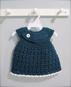 Newborn crochet dress! Very easy and made in one piece.