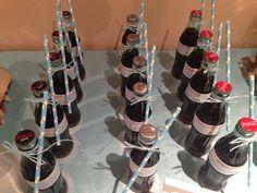 Baby shower niño! Botellitas de cocacola personalizadas para la ocasion!
