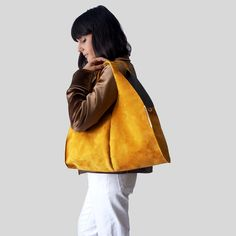 Maria Bernad with Mustard Hobo Endless, leather handbag leather bag fashion yellow outfit