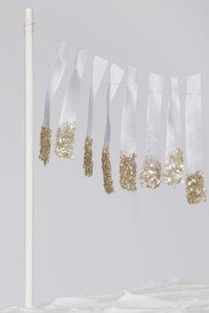 DIY slingers gedipt in goudglitter