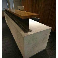 Balcão de concreto, viga metálica e madeira.. Lindo! @boasideias