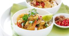 Add some zing to dinner with this spicy prawn curry. Thai Seafood Recipe, Prawn Recipes, Curry Recipes, Thai Recipes, Lunch Recipes, Seafood Recipes, Indian Food Recipes, Dinner Recipes, Savoury Recipes