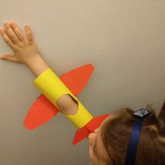 How to keep your child busy for 30 minutes? By building a plane.