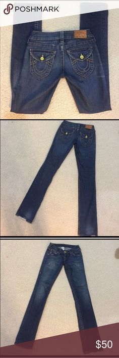 True Religion size 25 jeans Gently worn, size 25 but fits a bit loose, inseam is 34.5 inches. True Religion Jeans Straight Leg