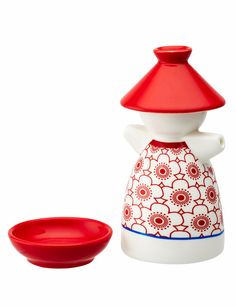 This soy pot from the Salt&Pepper Asiana range comes with a dish, and is great for when you're entertaining.