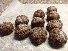 HEALTHY SNACK!! Raw Flaxseed and Hemp Heart Chocolate Protein Balls