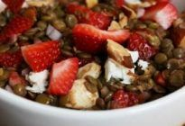 Lentil Strawberry Salad
