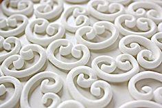 "white fondant ""calligraphy"" scrolls DIY tutorial for cakes"