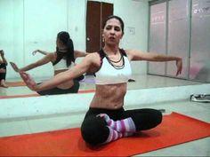 Primeros pasos de danza del vientre: péndulo y twist. Más info: http://danzadelvientremalaga.com/