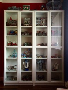 Transform an IKEA bookcase with glass doors into a LEGO display case! - Lego display case - Transform an IKEA bookcase with glass doors into a LEGO display case! It's the… Transform an IK - Lego Display Shelf, Lego Shelves, Wall Display Case, Lego Storage, Ikea Storage, Smart Storage, Wall Storage, Kitchen Storage, Lego Vitrine