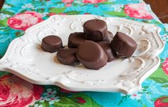 Easy, Healthy Frozen Chocolate Banana Bites, a perfect summer time snack