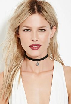 Etched-Diamond Pendant Choker | Forever 21 #accessorize