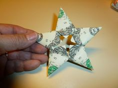 Easy Origami Star Money Holder | Transform a cash gift into something spectacular with this easy origami craft!
