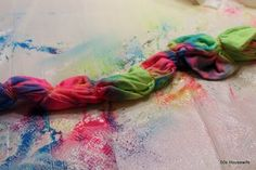 Always wanted to make a tie-dye T outside of school. Diy Arts And Crafts, Decor Crafts, Crafts For Kids, Diy Crafts, Fabric Crafts, Bleach Tie Dye, Tye Dye, Make A Tie, Hippie Love