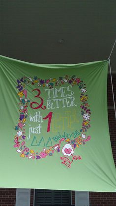 Super cute banner from Theta Gamma. I love Tri Delta