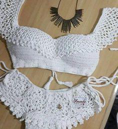 Pin em crochet, knit , tat, macrame etc Crochet Lingerie, Crochet Bra, Crochet Bikini Pattern, Crochet Bikini Top, Crochet Clothes, Mode Du Bikini, Crochet Bathing Suits, Crochet Summer Tops, Knit Fashion