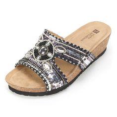 "White Mountain 'BEST' Women's Sandal, Black Leather - 7 M. Heel height: 1.55""."