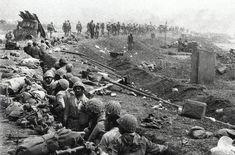 the-iran-iraq-war-troops-in-trenches-on-the-iran-iraq-border.jpg (700×462)