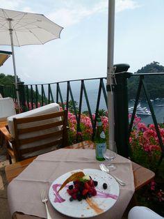 """Pranzo, Cafe di """"Hotel Splendito"""", Portofino Liguria Italia (Luglio)"""