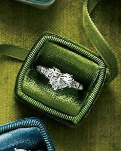 Bague Diamant – Tendance 2018 : I want a heart shaped engagement ring. ♥ I'd love it in a colored stone … Heart Shaped Diamond Ring, Heart Shaped Engagement Rings, Heart Shaped Rings, Engagement Ring Shapes, Diamond Engagement Rings, Heart Rings, Solitaire Diamond, Halo Engagement, Gowns