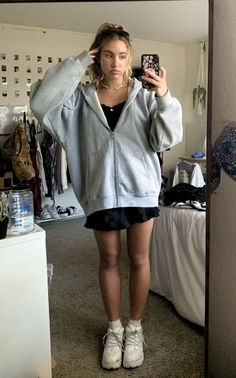 Retro Outfits, Mode Outfits, Cute Casual Outfits, Girl Outfits, Fashion Outfits, Fashion Tips, Couple Outfits, Party Outfits, Edgy Outfits