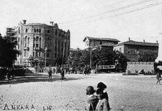 Buluşma yerimiz, Ulus deyince akla ilk gelen yer, Atatürk Heykelinin hemen altı. Ama sadece bir buluşma yeri burası, gezi August Anıtı ve Hacıbayram Cami..