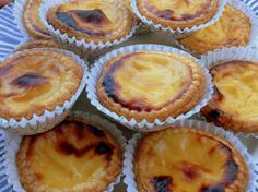 Pasteis de nata recipe like in Portugal: the easy recipe - - Irish Recipes, Tart Recipes, Sweet Recipes, Thermomix Desserts, Easy Desserts, Dessert Recipes, Egg Tart, Fruit Tart, Natas Recipe