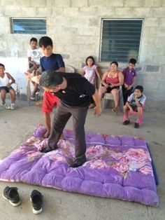 Eddy Marin-Ruiz teaching martial arts to neighborhood kids – There are plentiful opportunities for volunteer work in Nicaragua. There are so many opportunities and so many blessings that my family has experienced.