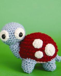 Free English Crochet Patterns Amigurumi   http://www.womansday.com/assets/download/Crochet-Creatures-Turtle.pdf